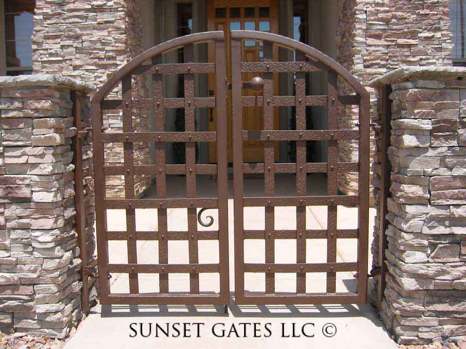Sunset Gates Courtyard Gate 517 Sunset Gates