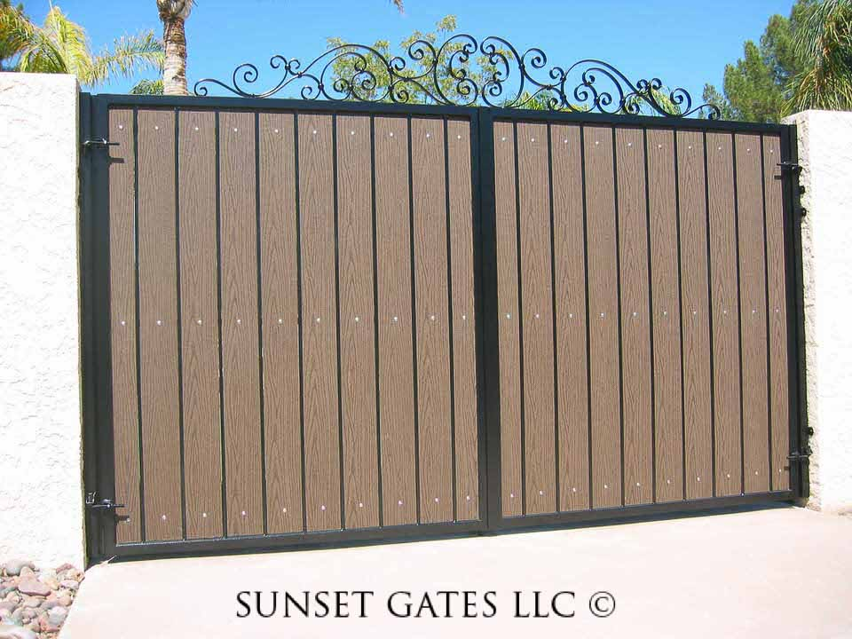 RV Gates   Phoenix Arizona   Sunset Gates